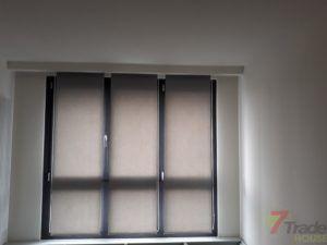 Panel track okno